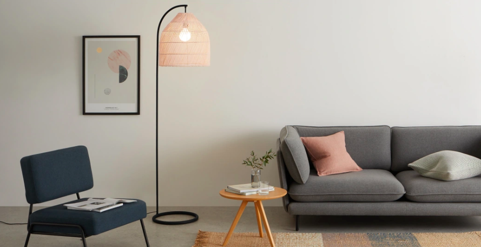 salon luminaire rotin lampadaire