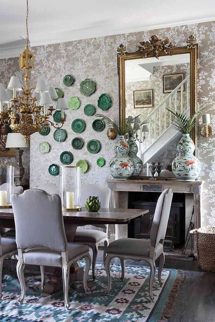 salle a manger ambiance elegante moulures