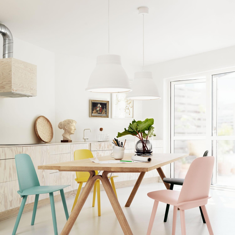 salle a manger elegante et feminine pastel
