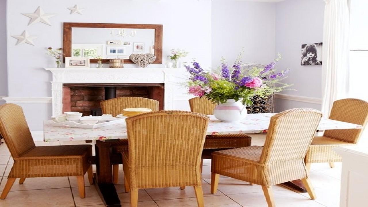 salle a manger elegante feminine ambiance bord de mer