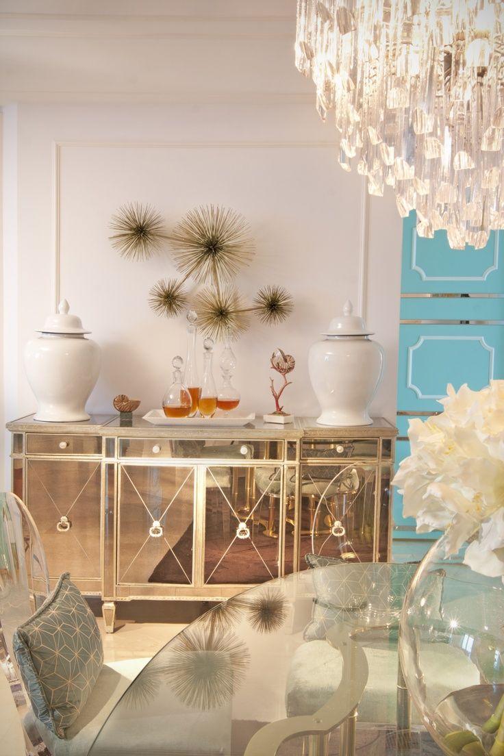 salle a manger elegante feminine mobilier detail
