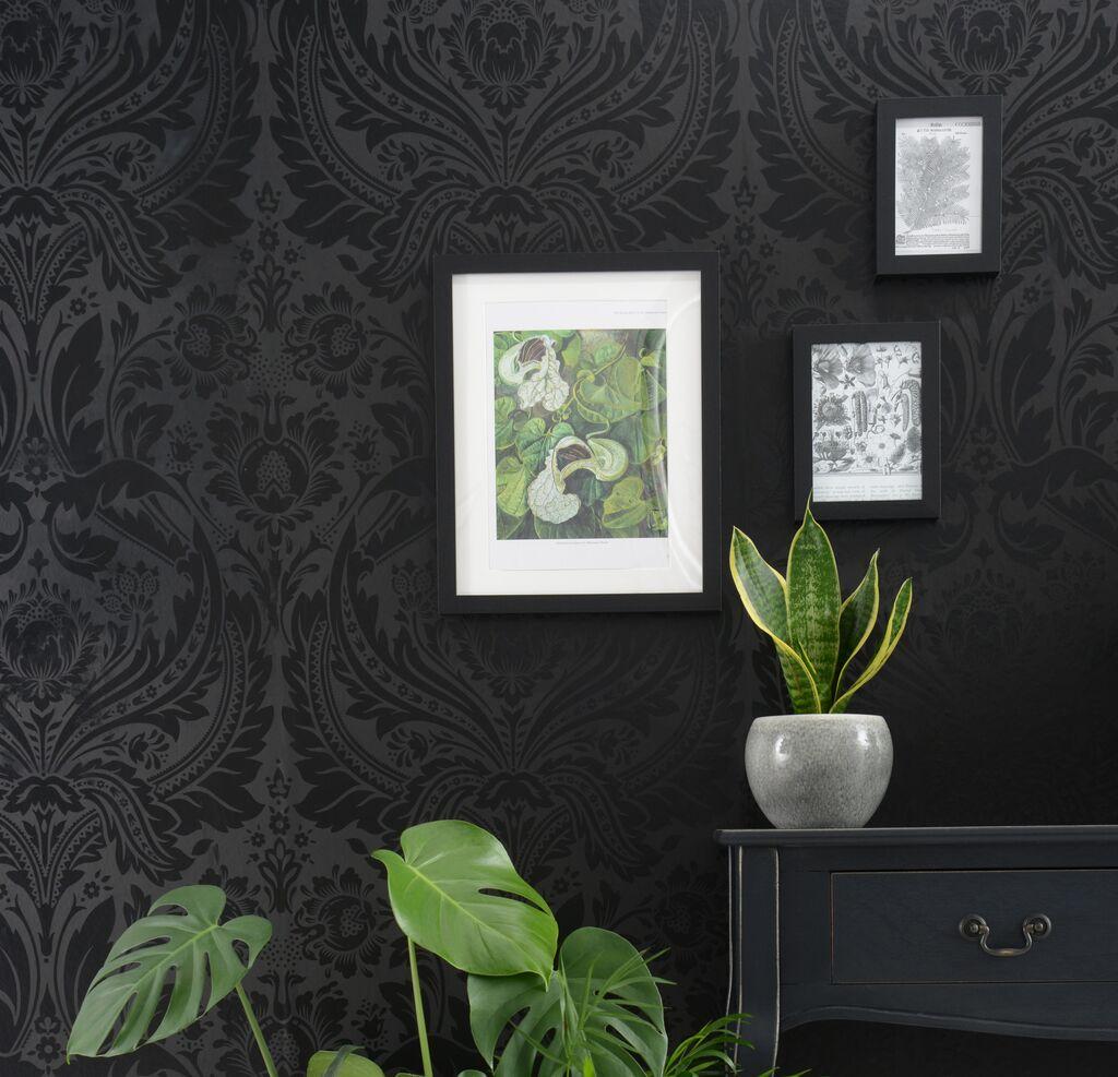 salon papier peint noir baroque ton sur ton
