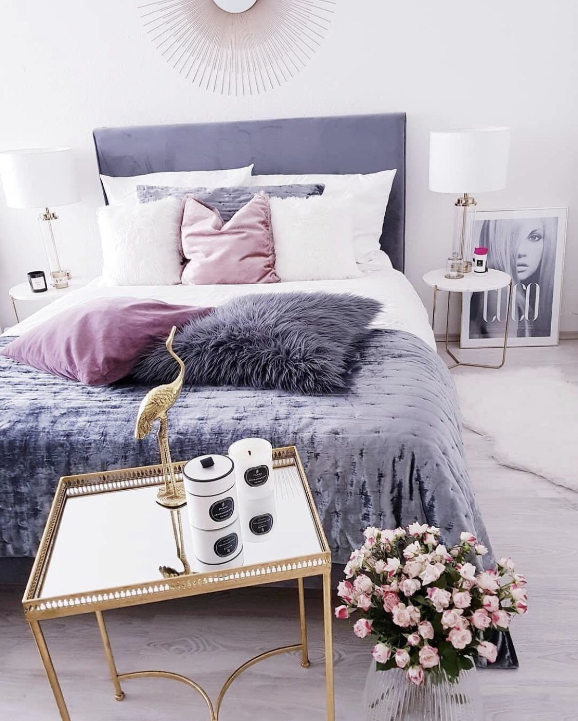 chambre deco elegante simple gris blanc rose