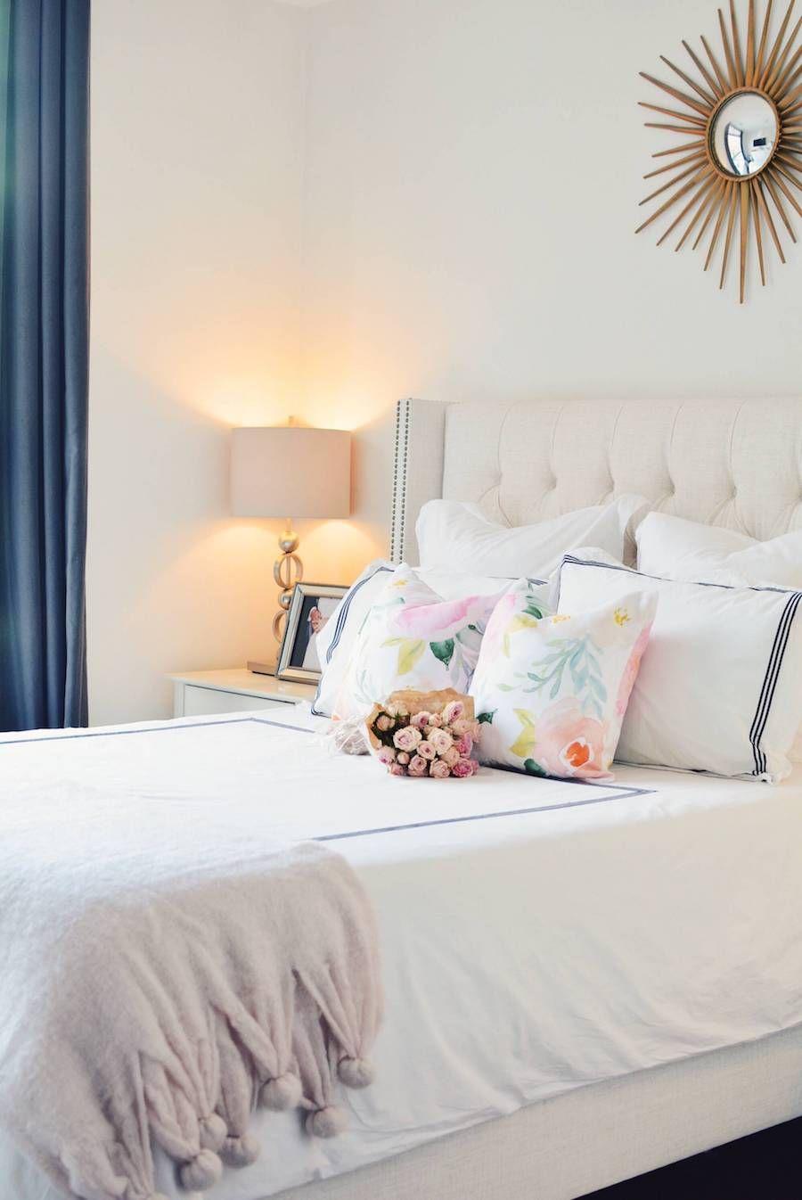 chambre elegante feminine blanche