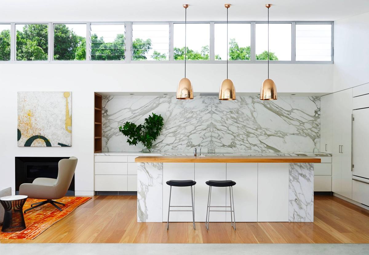 cuisine couleur or blanc marbre design minimaliste
