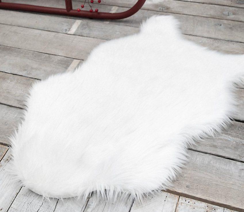 chambre descente de lit fourrure blanche