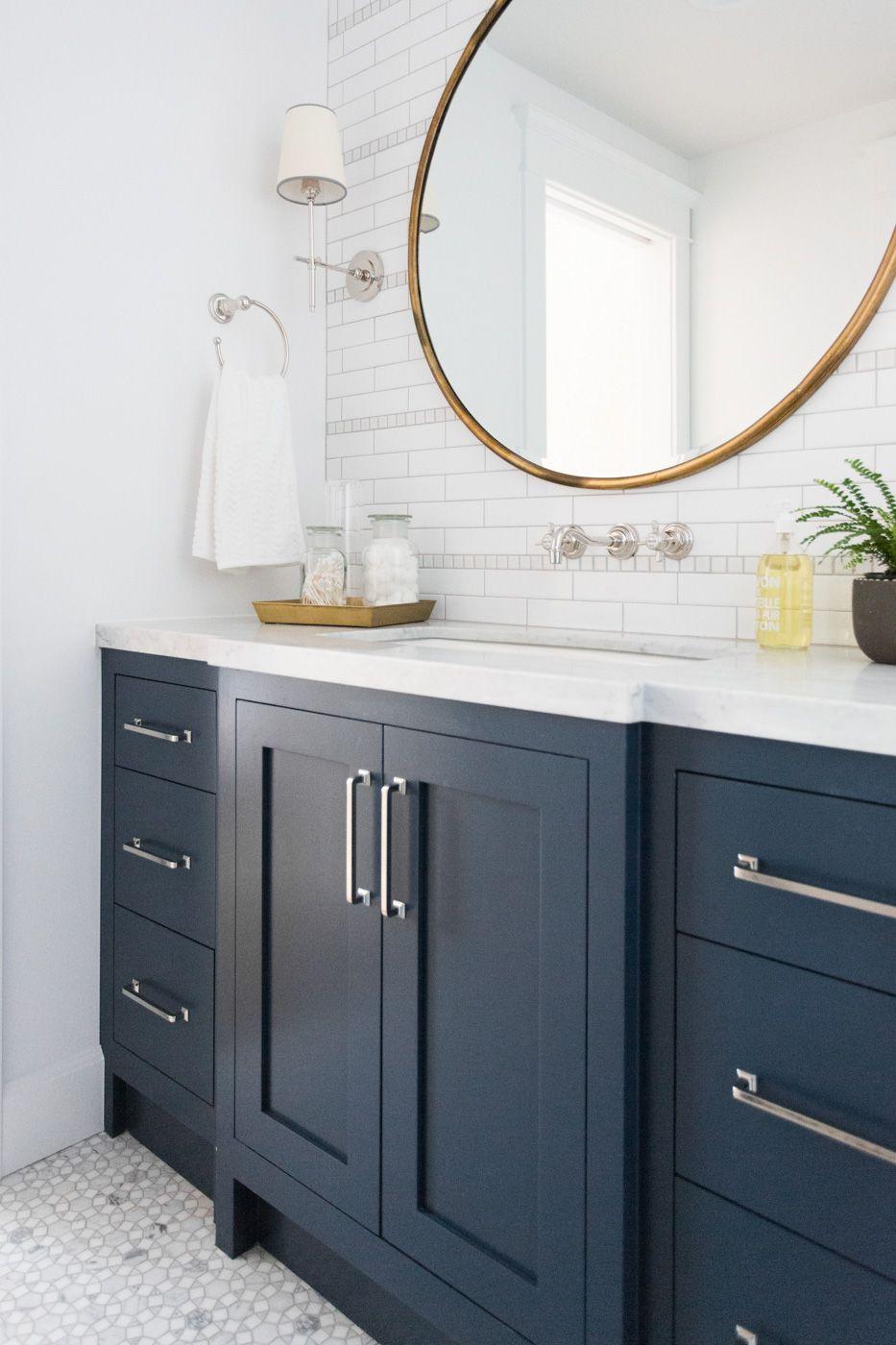 couleur sombre salle de bain meuble vasque bleu peinture