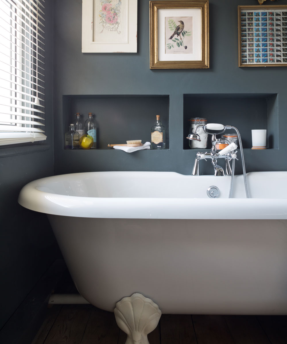 couleur sombre salle de bain peinture grise anthracite