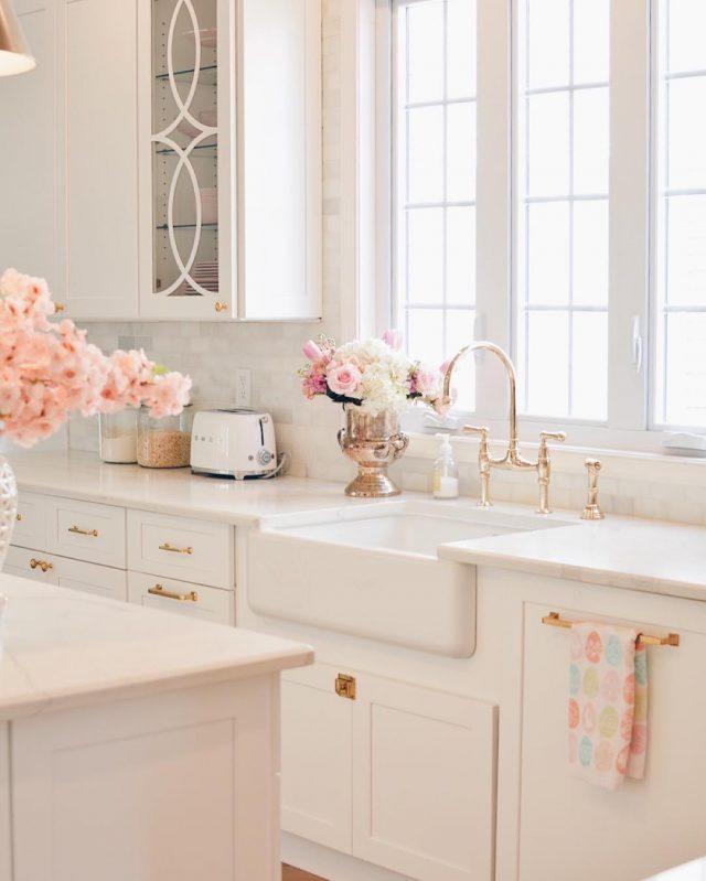 cuisine elegante feminine charme ancien blanc