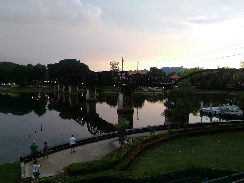 vie nomade pont riviere kwai thailande