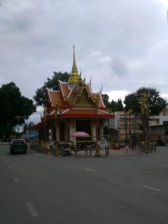 vie nomade thailande temple kanchanaburi