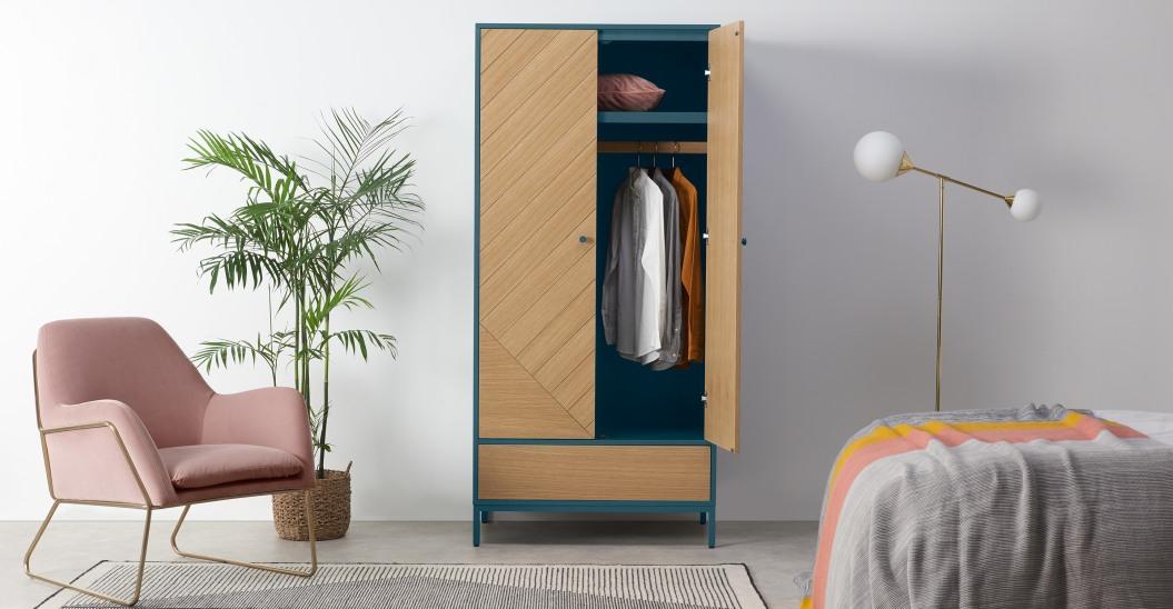 petite chambre armoire deco 2 portes
