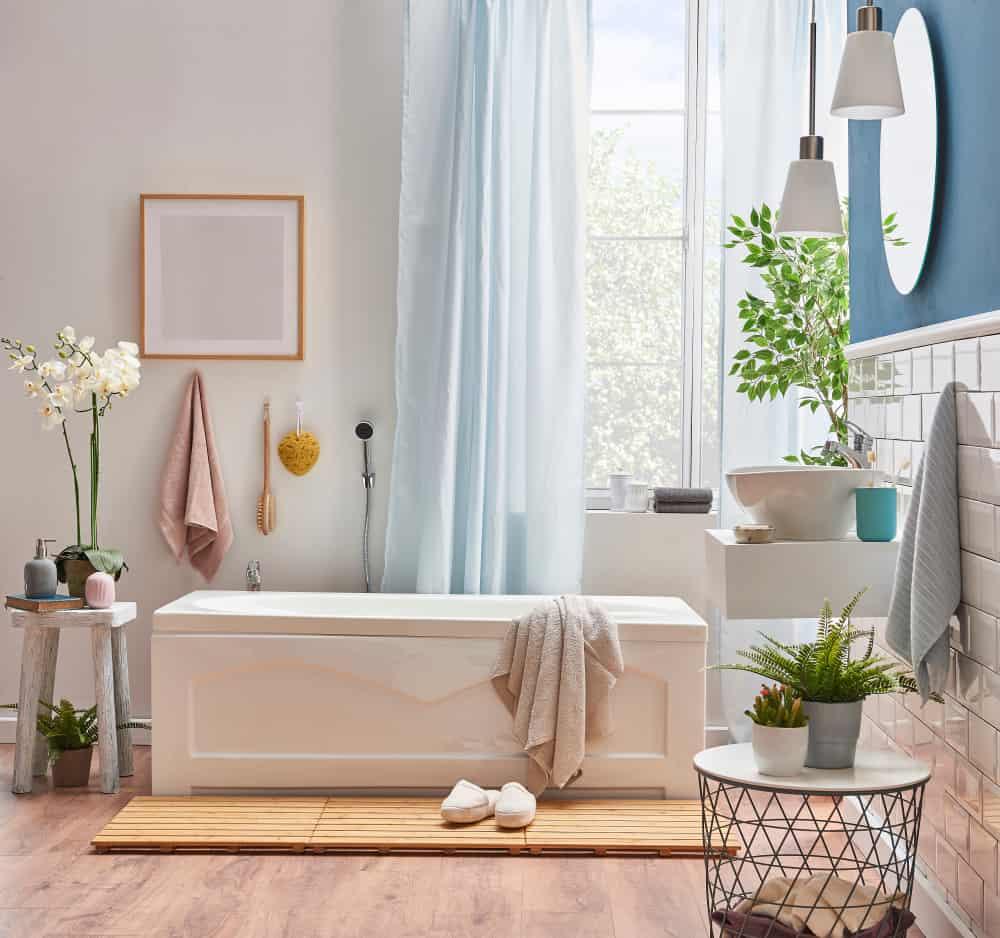 salle de bain deco feminine et elegante simple