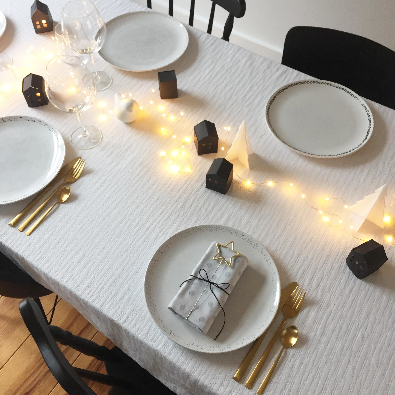 idee deco table noir et blanc minimaliste