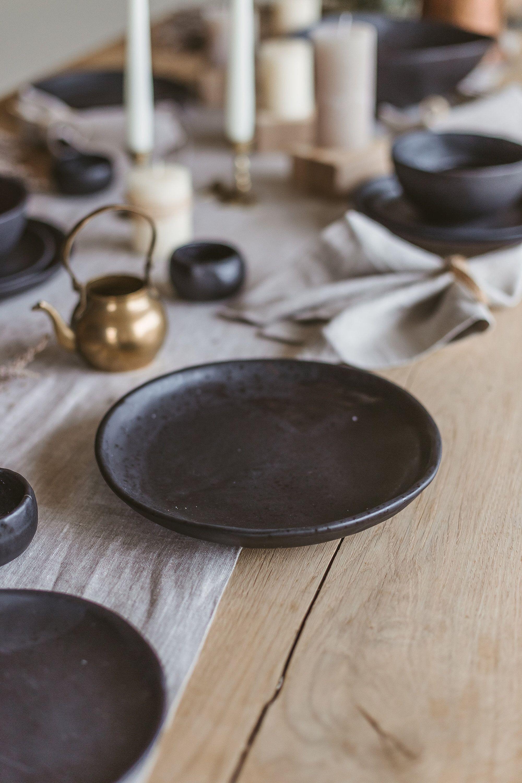 slow deco vaisselle minimaliste noire