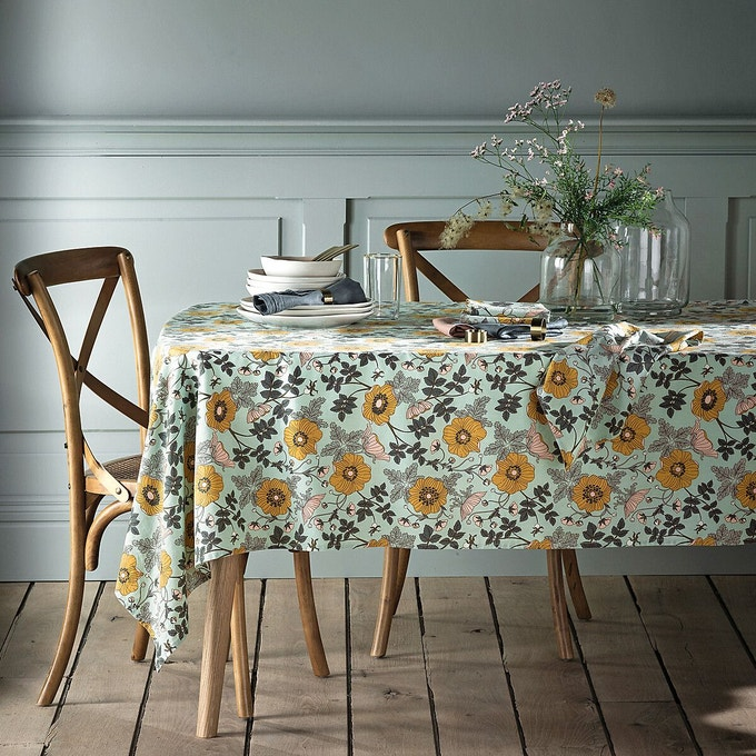 art de la table printemps nappe verte et fleur