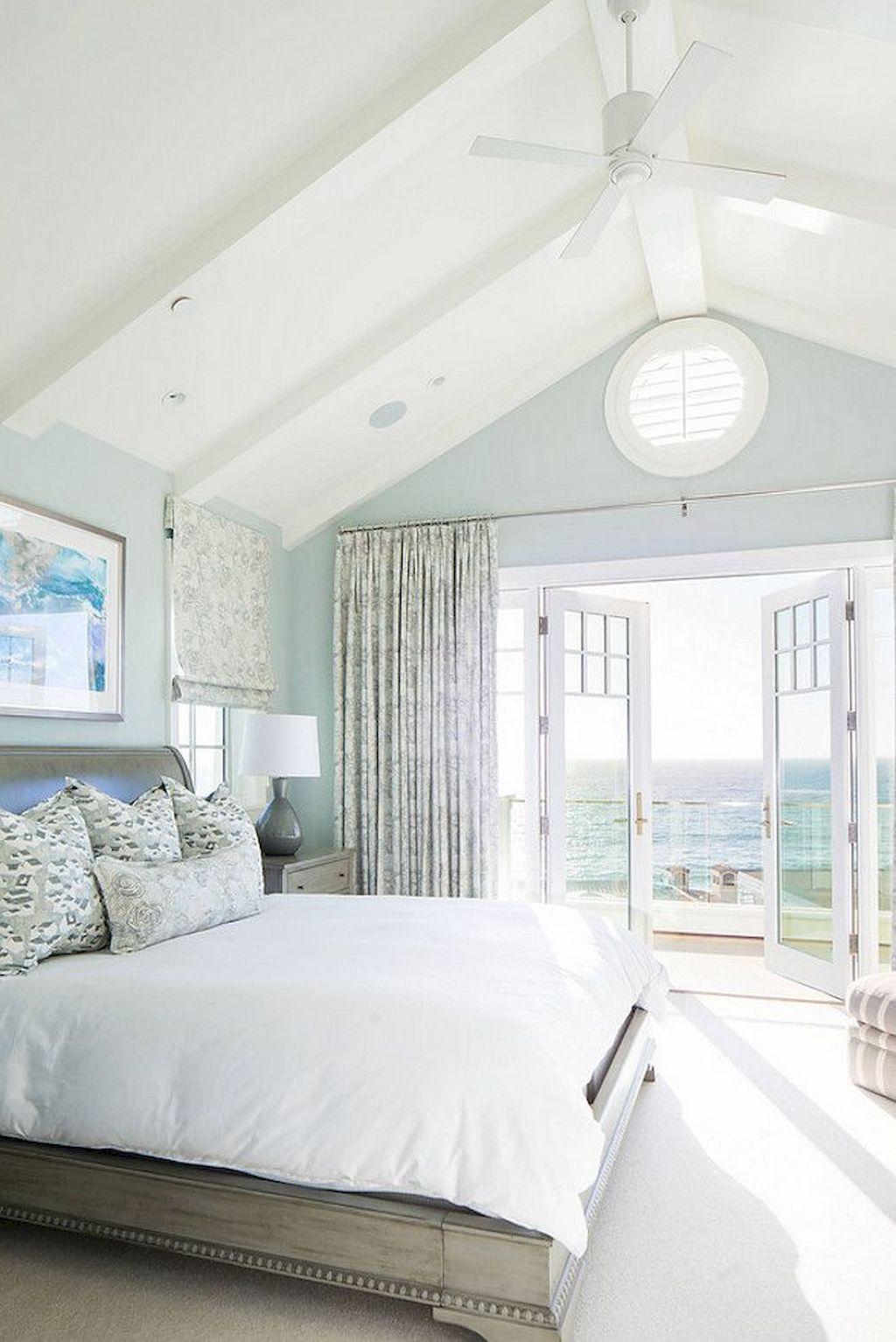 chambre deco bord de mer bleu clair mur