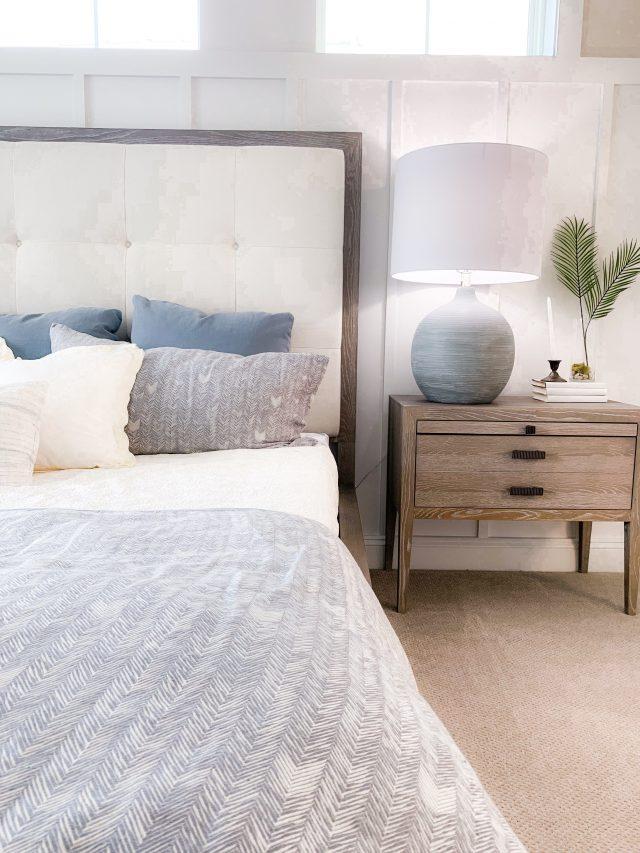 chambre deco bord de mer lampe et tete de lit