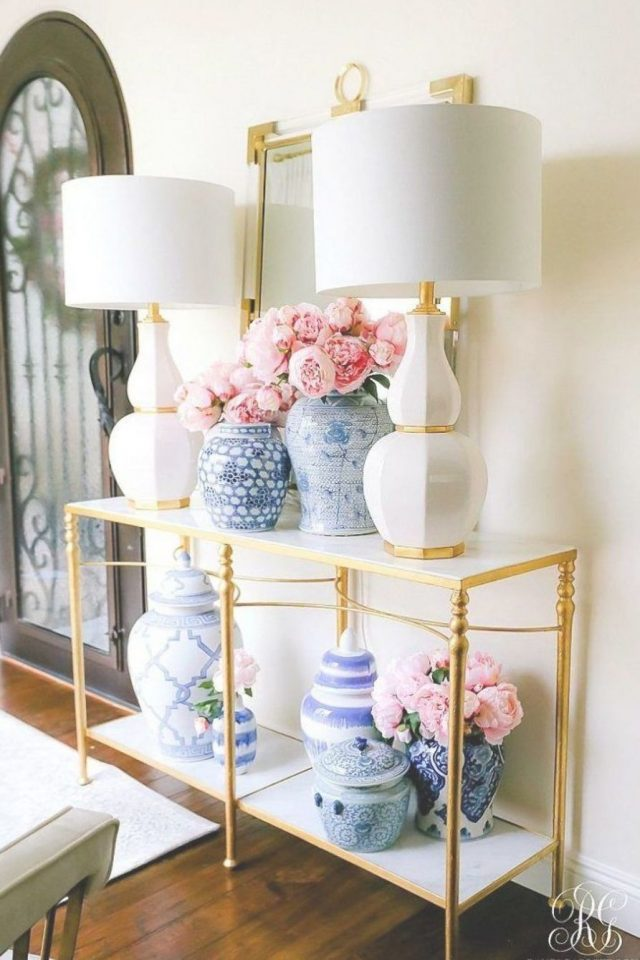 deco entree elegante feminine or blanc fleur lampe à poser classique chic