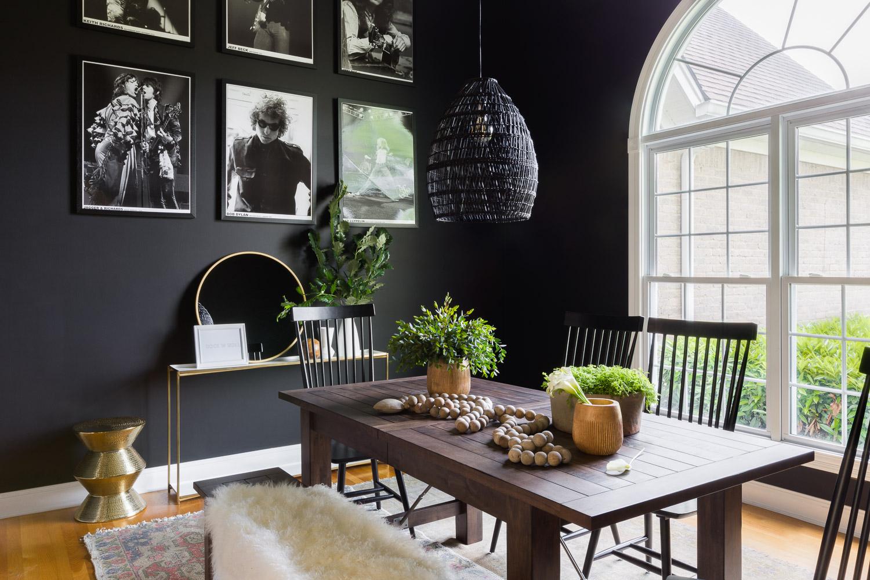 salle a manger couleur foncee cadre photo rock