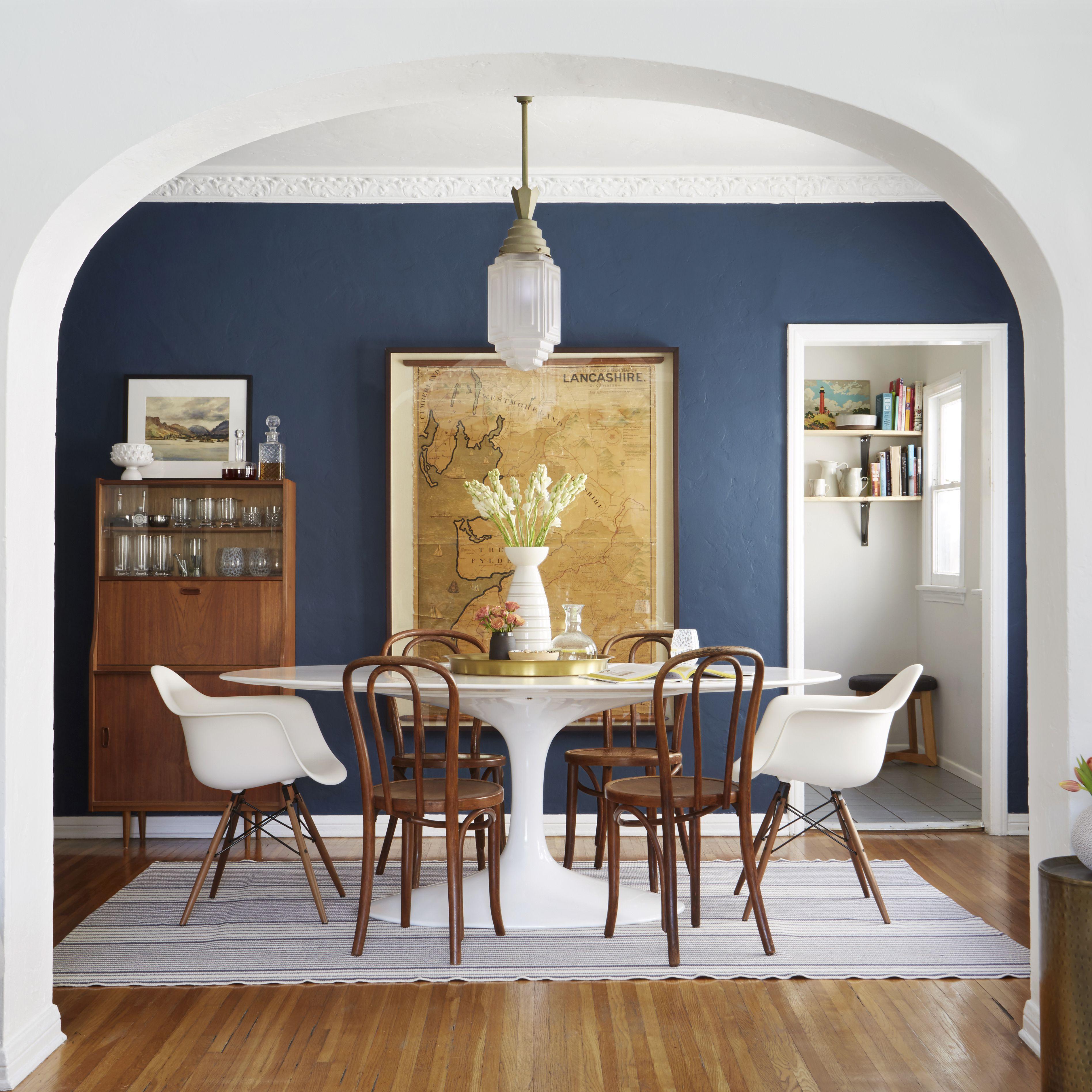 salle a manger couleur foncee mobilier kinfolk