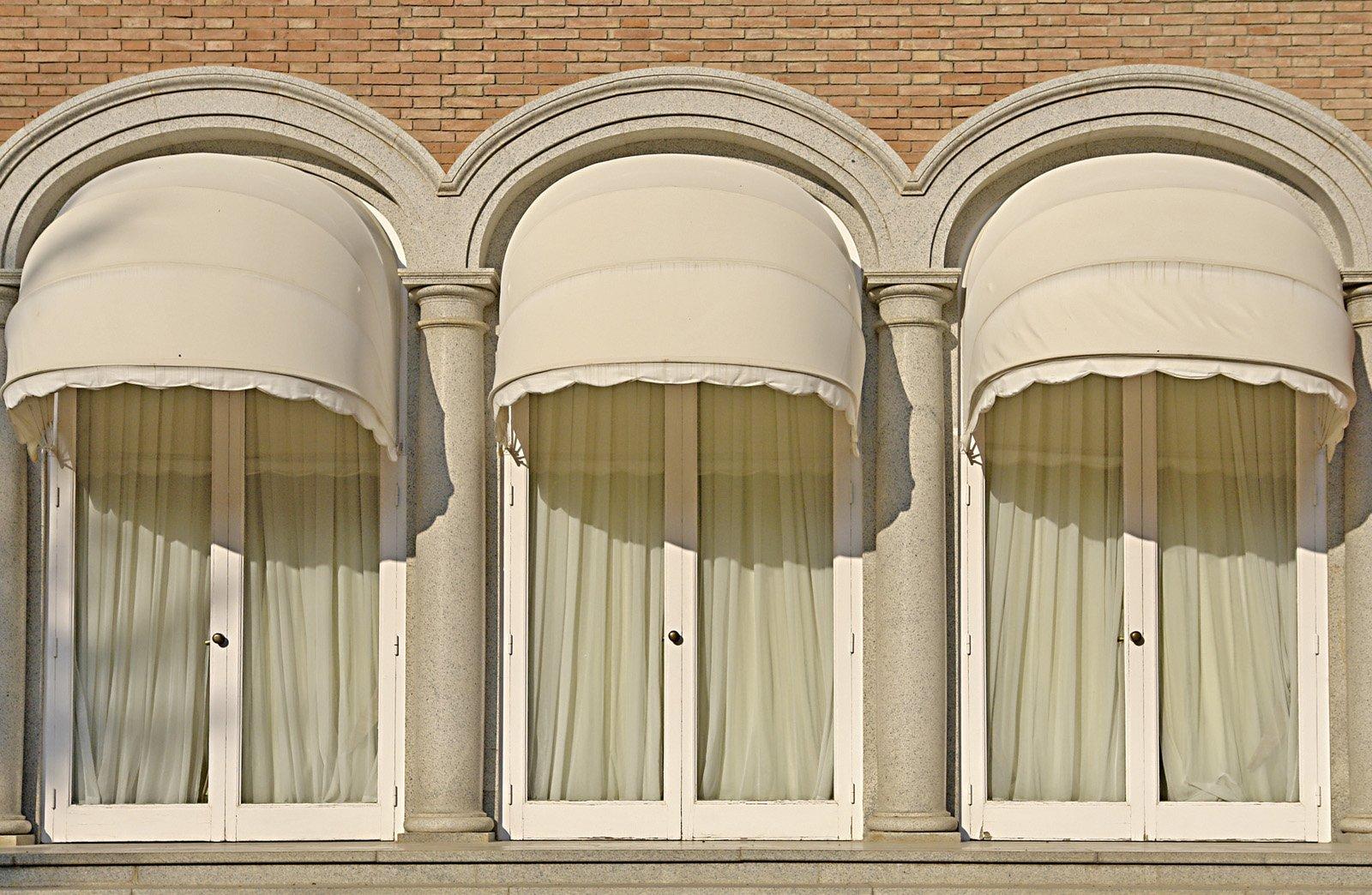 store banne amenagement facade exterieur