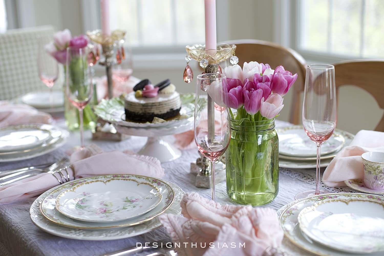 table printemps rose blanc fleurs