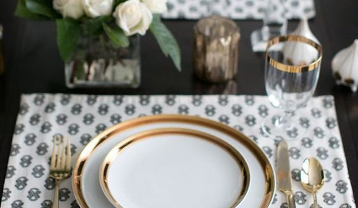 idee decoration de table avec or dore