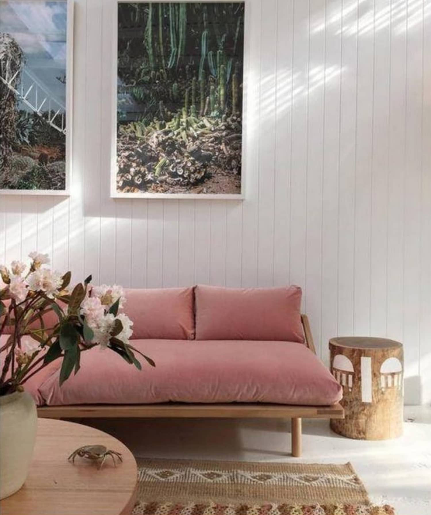 canape velours rose epure minimaliste