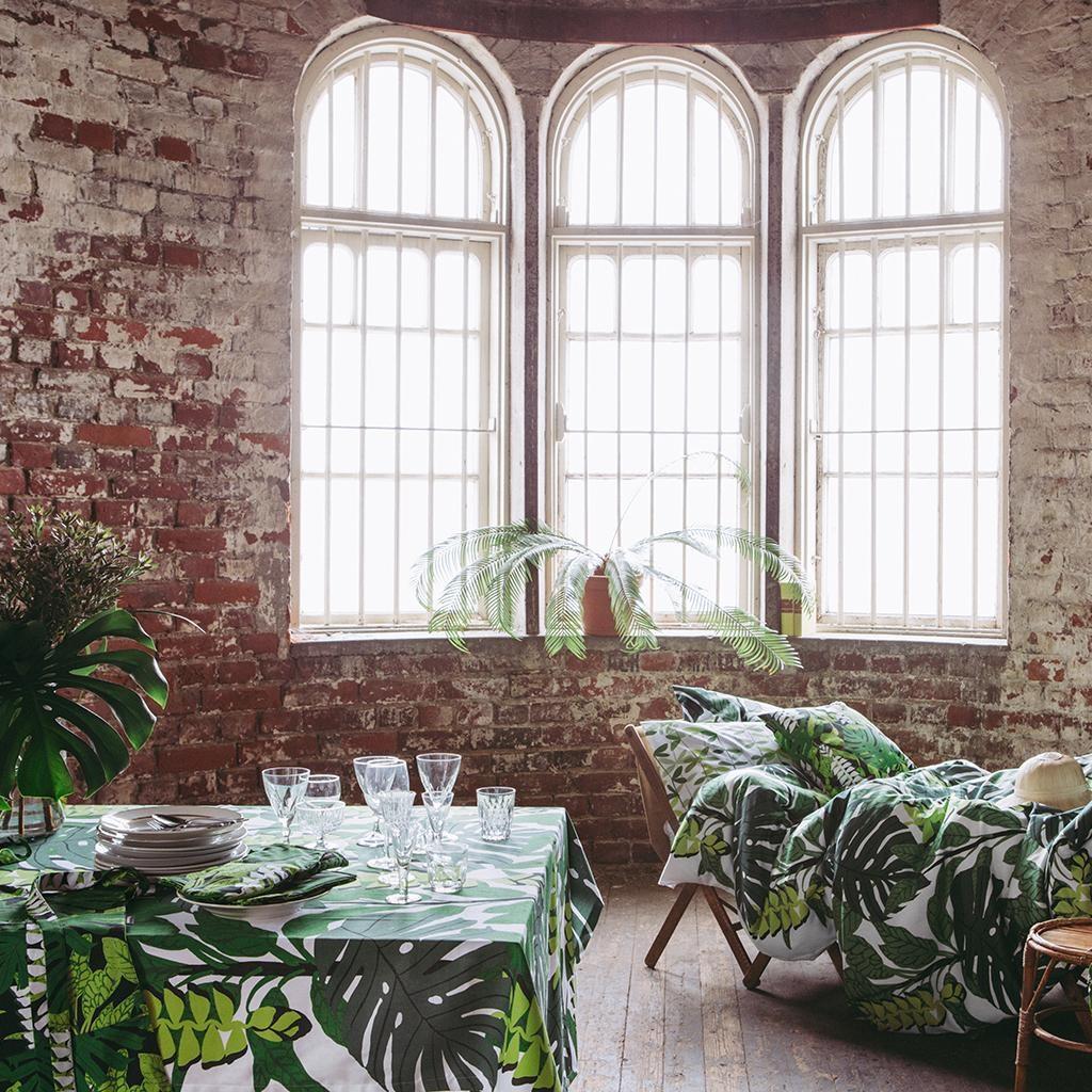 table ete nappe motif tropical