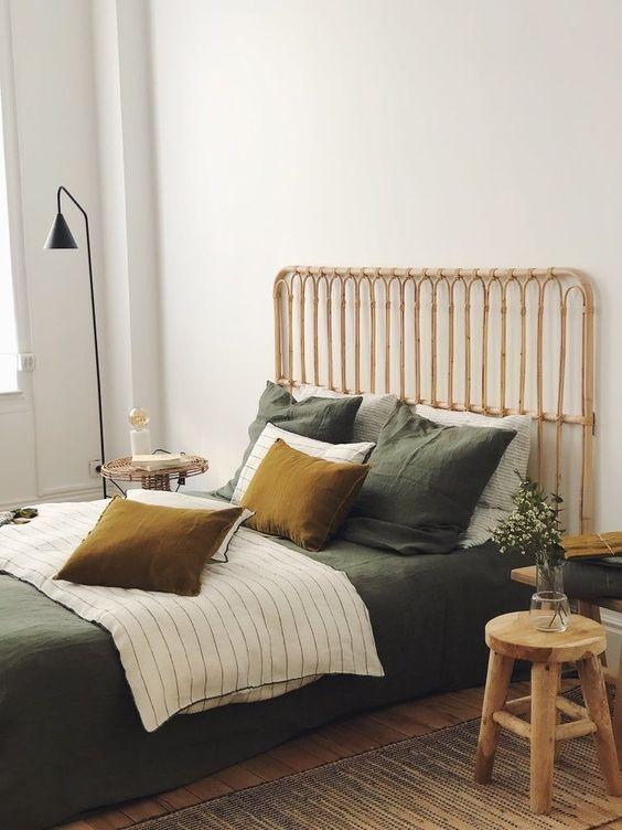 tete de lit rotin simple et naturelle