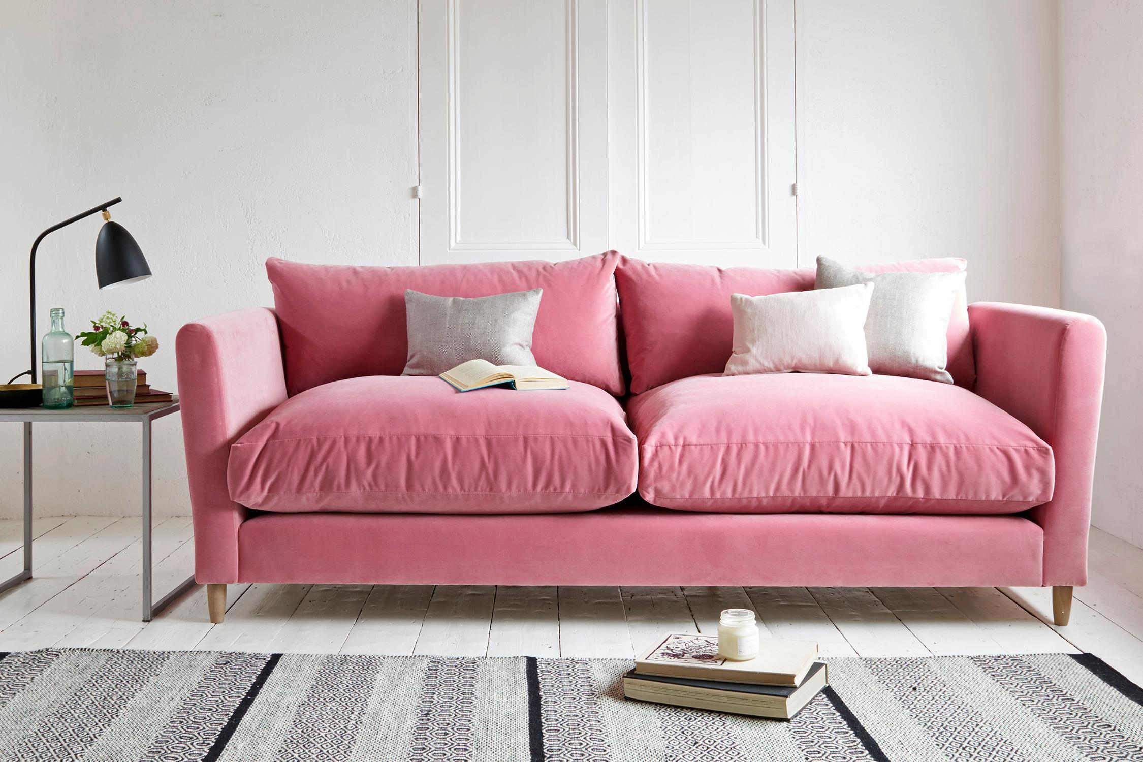 velours rose canape simple et confortable
