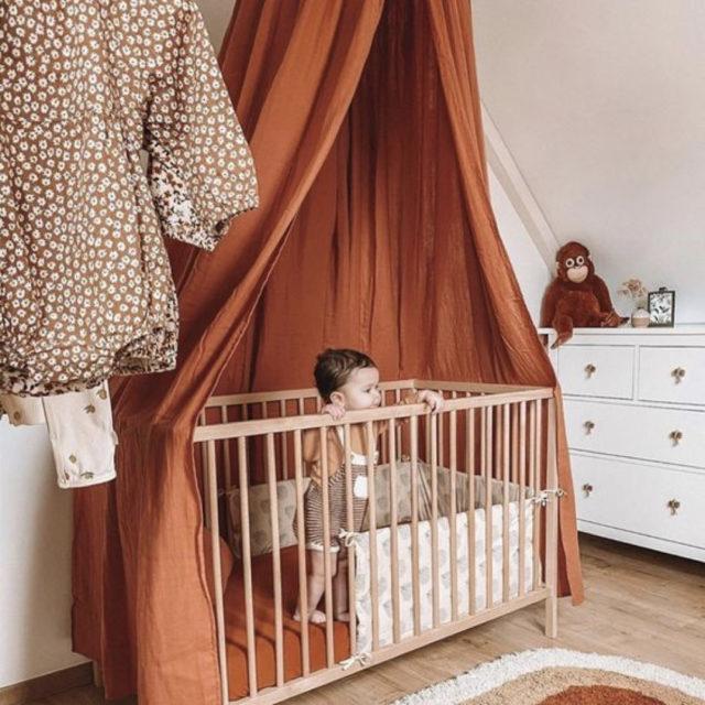 couleur terracotta style decoration ciel de lit enfant