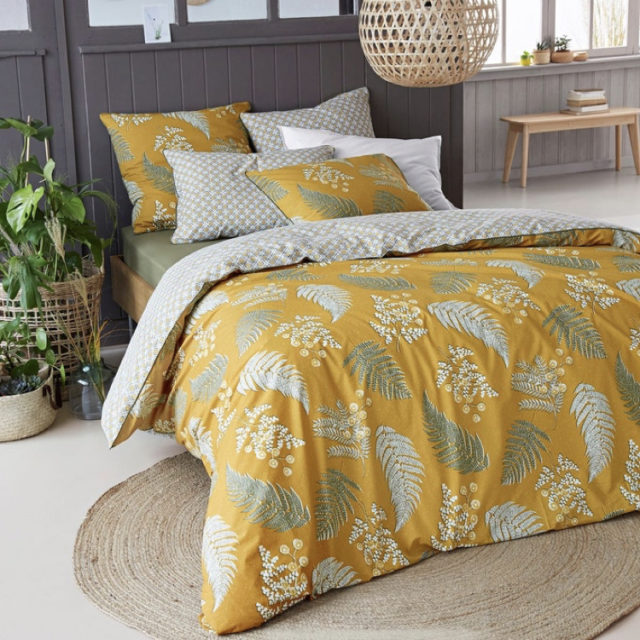 ambiance déco nature chambre linge de lit motif floral jaune