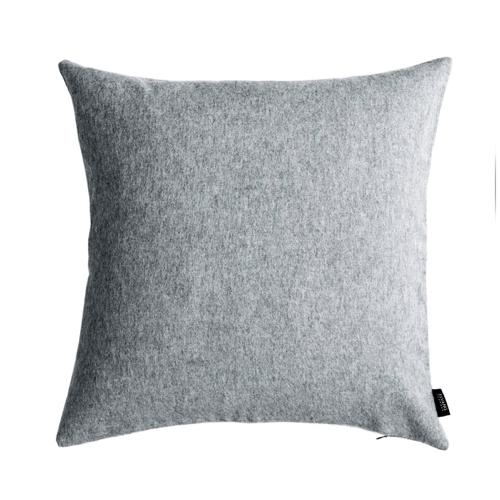 coussin laine feutrée style scandinave hygge