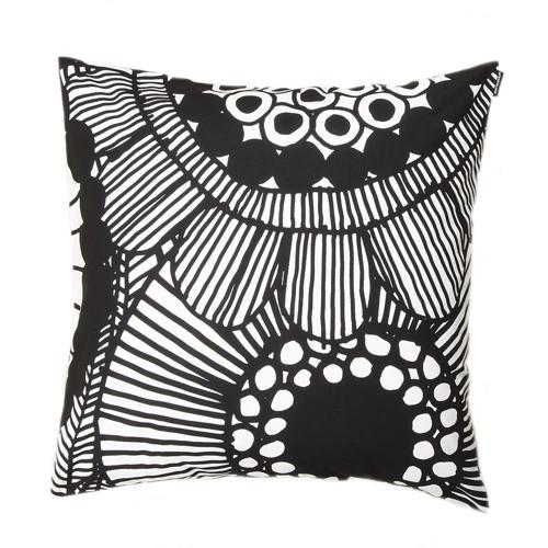 coussin style nordique imprimé noir et blanc
