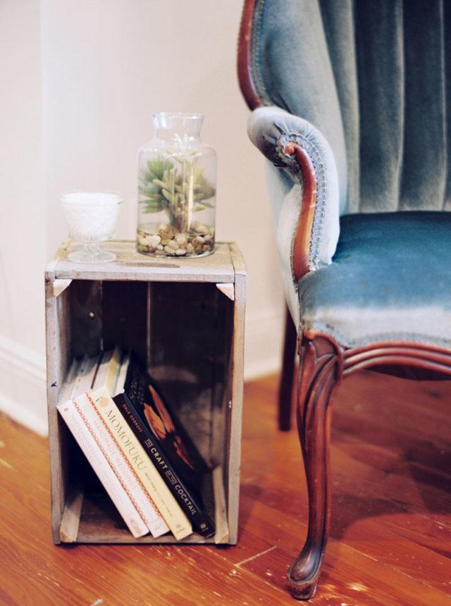 visite déco detail salon vintage caisse en bois recup