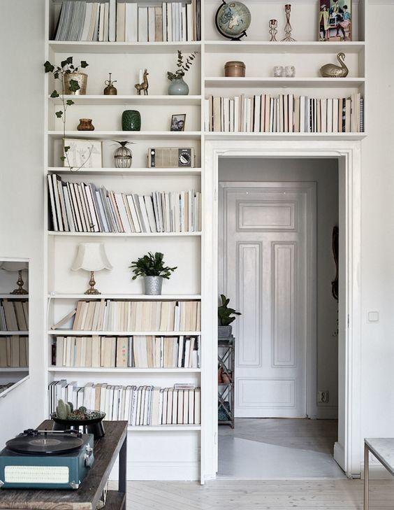 Petit et génial - petite bibliothèque couloir