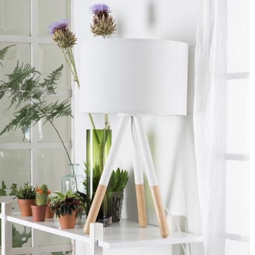 lampe à poser blanc et bois éclairage salon