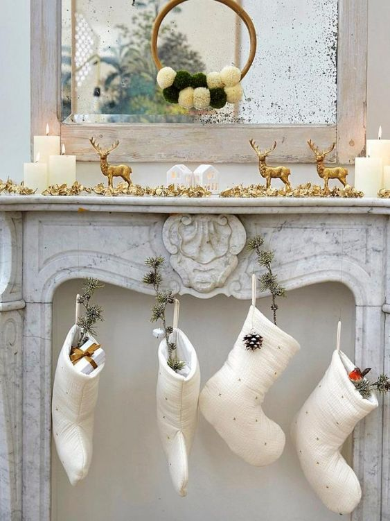 deco noel blanc exemple cheminee chaussette