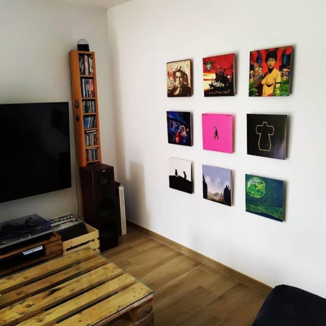 comment accrocher vinyle au mur