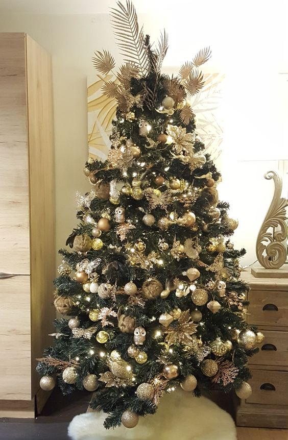 decoration noel couleur or exemple sapin