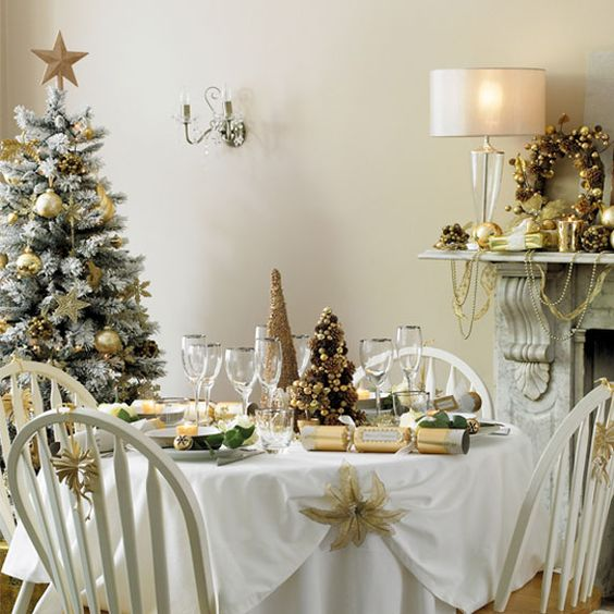 decoration noel couleur or exemple table élégante