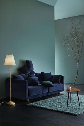association couleurs vert sauge et bleu pétrole salon