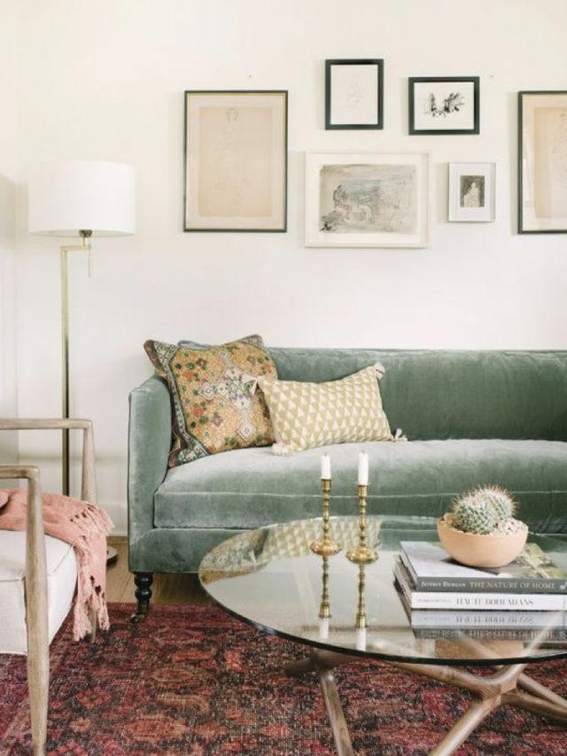 comment utiliser blanc pour decorer salon élégant canapé vert d'eau en velours