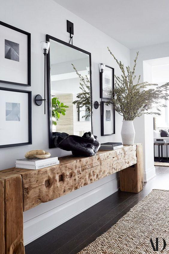 deco couloir entree cadre muraux style elegant et simple console en bois et miroir