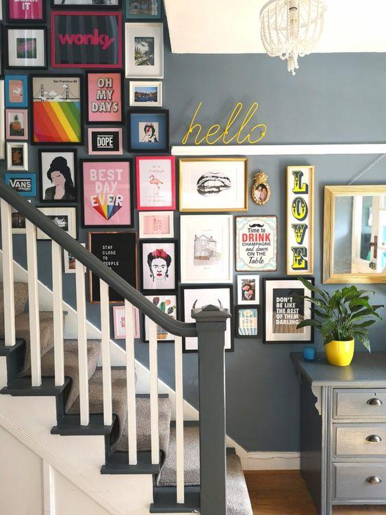 deco couloir escaliers cadre muraux  illustration pop arty couleur bonne humeur