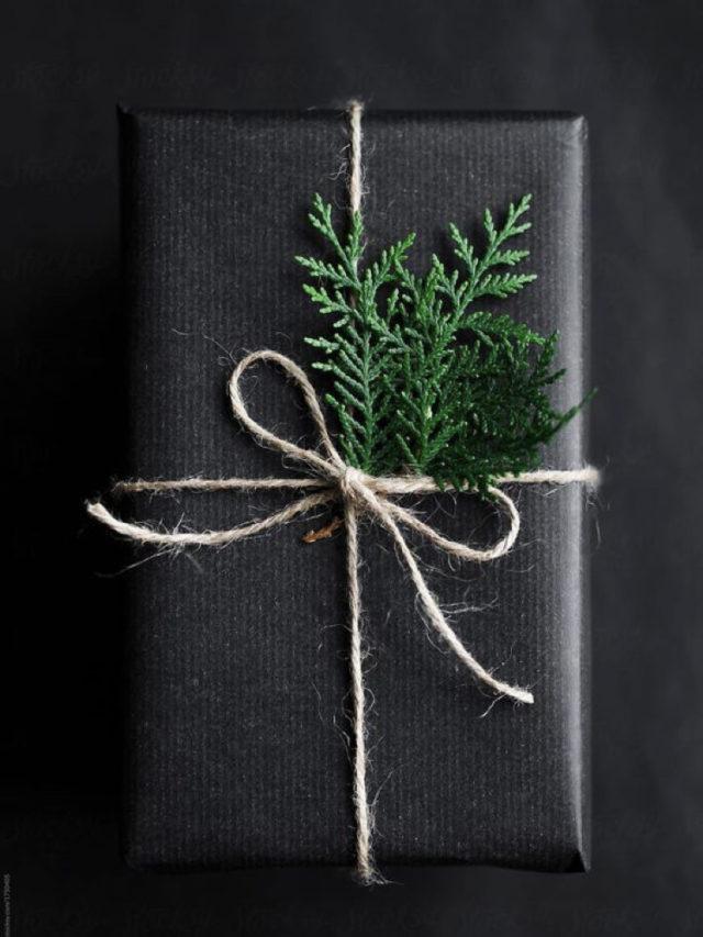 deco papier cadeau naturel noir et branche de cyprès