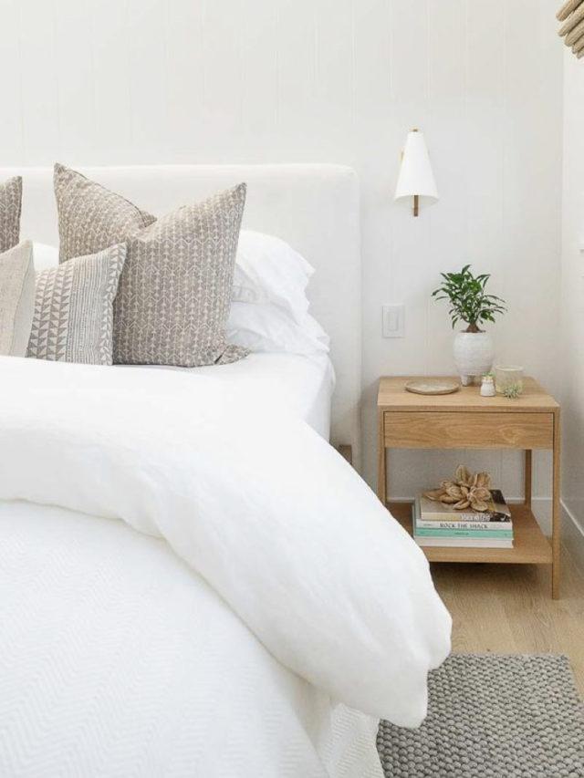 decoration chambre blanche exemple table de nuit bois