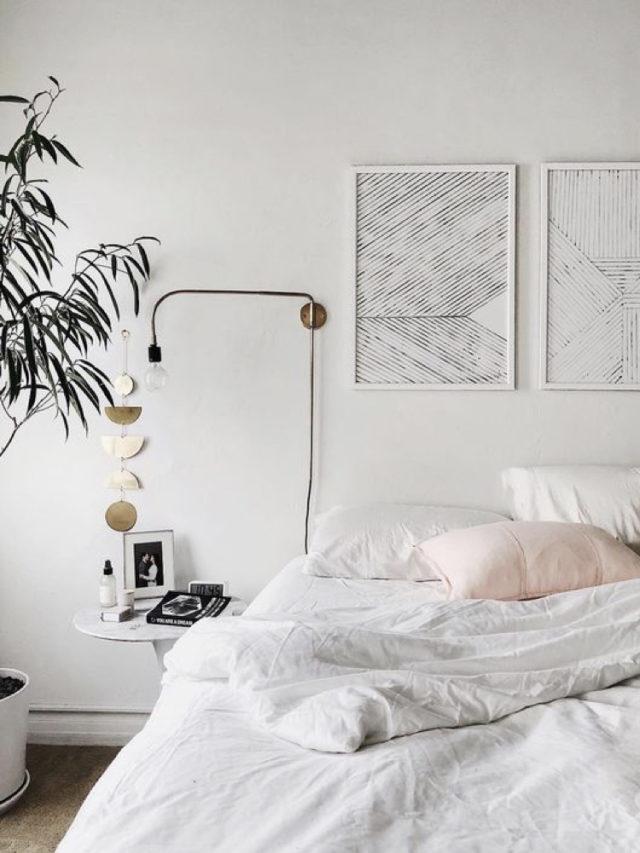 exemple decoration chambre blanche moderne modern glam luminaire lampe de chevet
